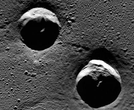 Mercury_Goethe_craters_crop